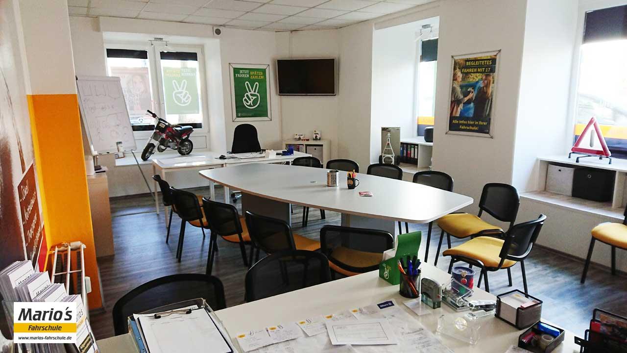 Schulungsraum - Mario's Fahrschule, Lindenstr. 4, Ennepetal